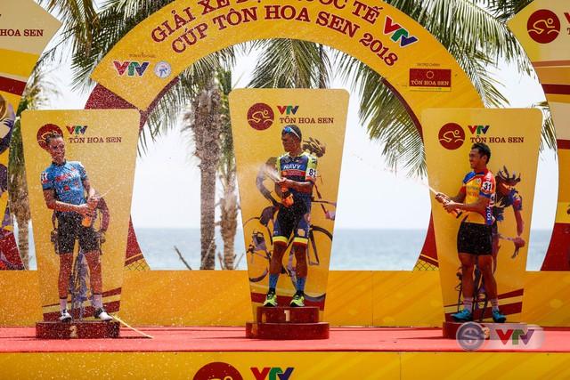 ẢNH: Những khoảnh khắc ấn tượng chặng 7 Giải xe đạp quốc tế VTV Cup Tôn Hoa Sen 2018 - Ảnh 16.