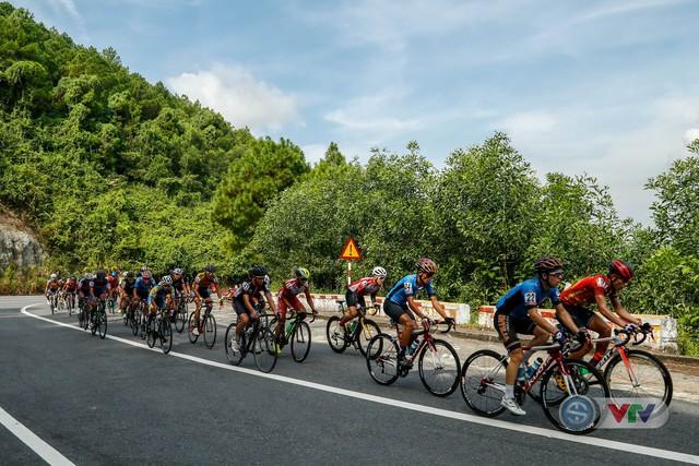 ẢNH: Những khoảnh khắc ấn tượng chặng 7 Giải xe đạp quốc tế VTV Cup Tôn Hoa Sen 2018 - Ảnh 5.