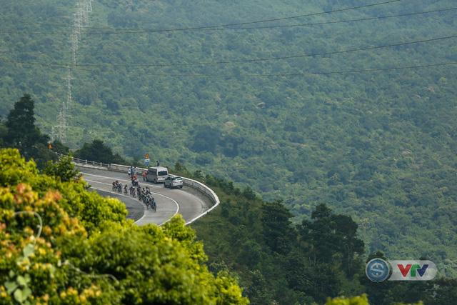 ẢNH: Những khoảnh khắc ấn tượng chặng 7 Giải xe đạp quốc tế VTV Cup Tôn Hoa Sen 2018 - Ảnh 7.