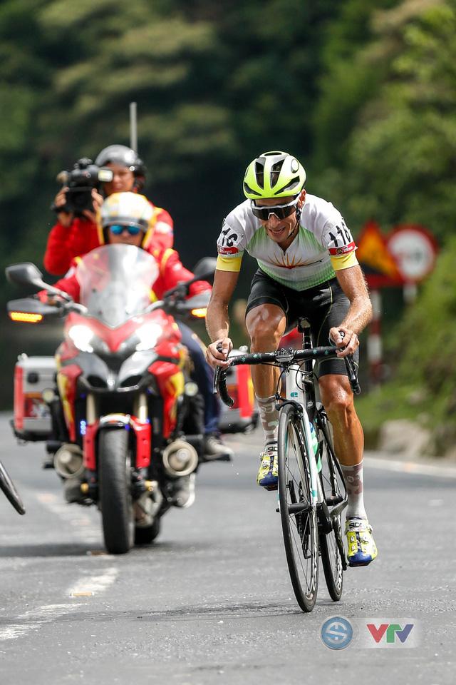 ẢNH: Những khoảnh khắc ấn tượng chặng 7 Giải xe đạp quốc tế VTV Cup Tôn Hoa Sen 2018 - Ảnh 8.