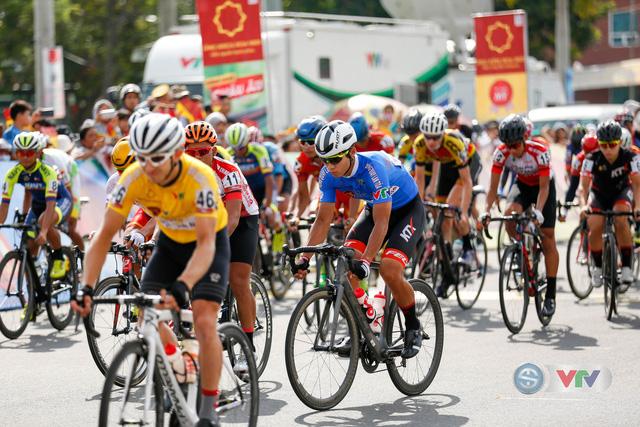 ẢNH: Những khoảnh khắc ấn tượng chặng 8 Giải xe đạp quốc tế VTV Cup Tôn Hoa Sen 2018 - Ảnh 1.