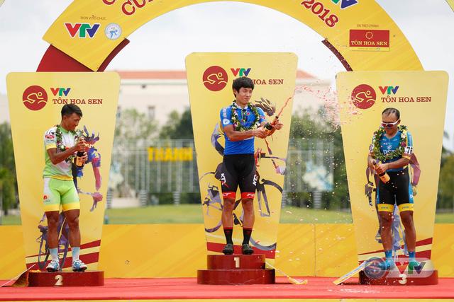 ẢNH: Những khoảnh khắc ấn tượng chặng 8 Giải xe đạp quốc tế VTV Cup Tôn Hoa Sen 2018 - Ảnh 11.
