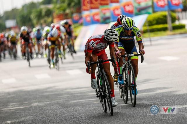 ẢNH: Những khoảnh khắc ấn tượng chặng 8 Giải xe đạp quốc tế VTV Cup Tôn Hoa Sen 2018 - Ảnh 4.