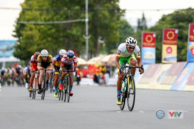 ẢNH: Những khoảnh khắc ấn tượng chặng 8 Giải xe đạp quốc tế VTV Cup Tôn Hoa Sen 2018 - Ảnh 5.