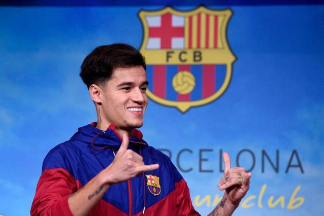 Cổ động viên Man Utd chế giễu Barcelona chiêu mộ Coutinho - Ảnh 4.