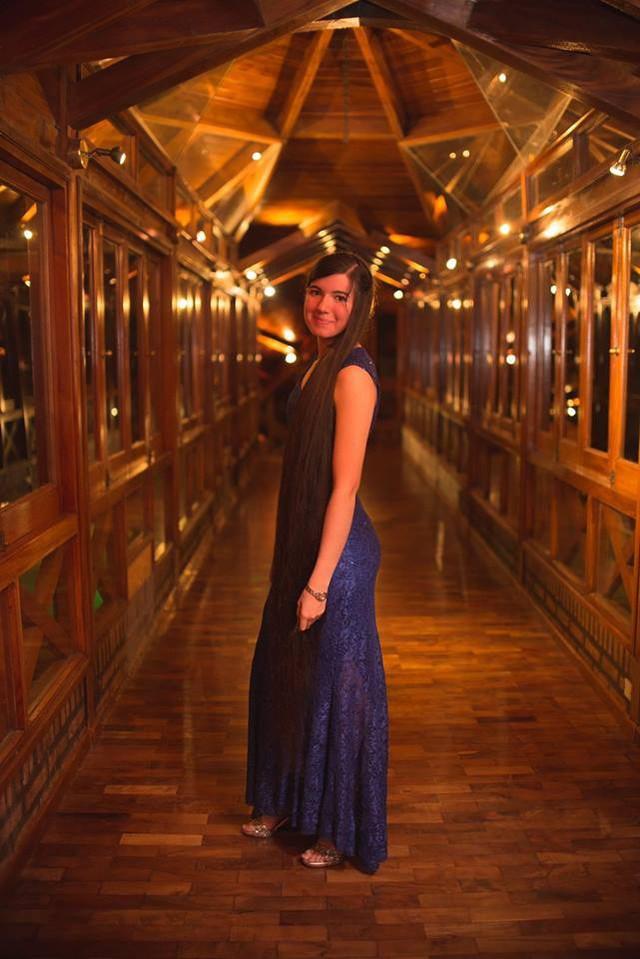 Thiếu nữ 17 tuổi xác lập kỷ lục thế giới với mái tóc dài 1,52 mét - ảnh 2