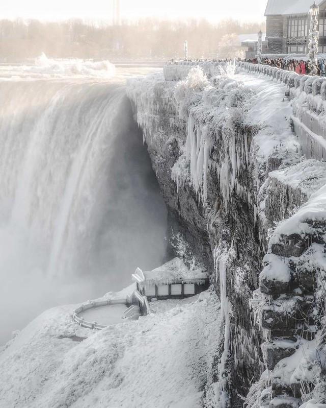 Giật mình trước chùm ảnh về mùa đông lạnh giá ở Bắc Mỹ - Ảnh 7.