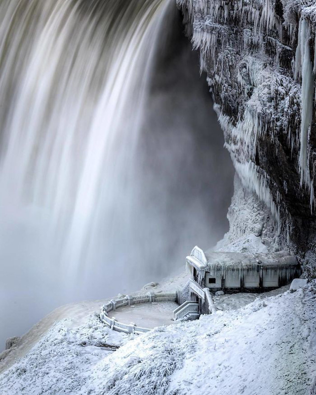Giật mình trước chùm ảnh về mùa đông lạnh giá ở Bắc Mỹ - Ảnh 10.