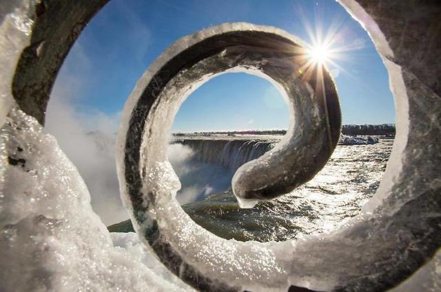 Giật mình trước chùm ảnh về mùa đông lạnh giá ở Bắc Mỹ - Ảnh 1.