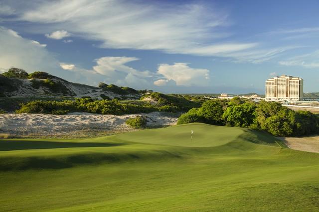 The Bluffs Hồ Tràm Strip bứt phá ngoạn mục trên bảng xếp hạng Golf Digest danh giá - Ảnh 1.