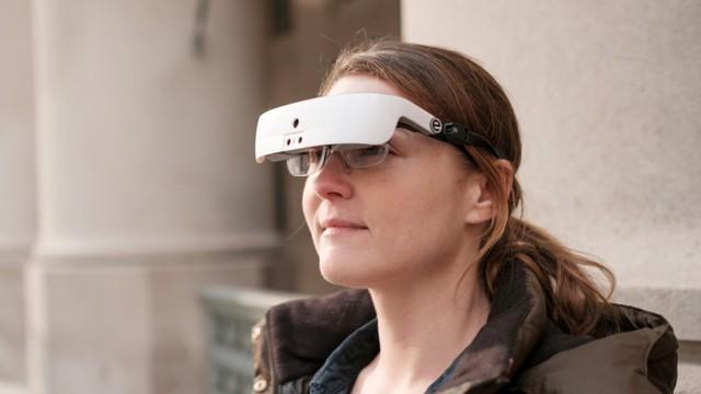 Kính thông minh giúp người khiếm thị nhìn rõ hơn - ảnh 1