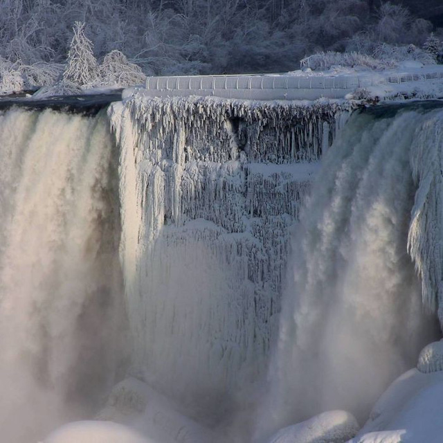 Giật mình trước chùm ảnh về mùa đông lạnh giá ở Bắc Mỹ - Ảnh 8.