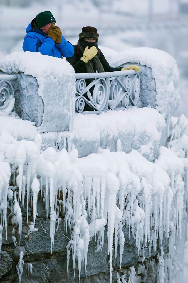 Giật mình trước chùm ảnh về mùa đông lạnh giá ở Bắc Mỹ - Ảnh 12.