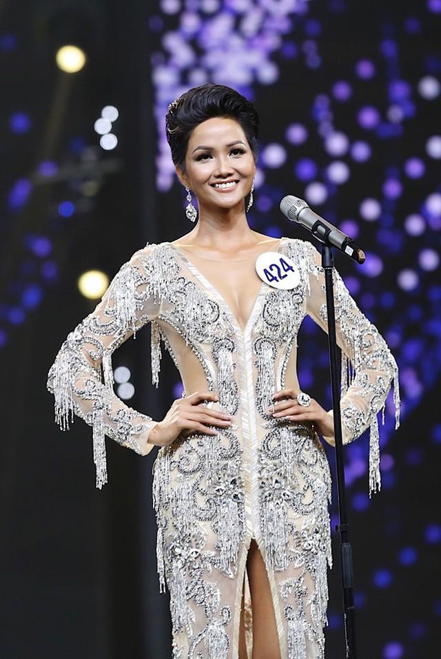 H'Hen Niê - Hành trình từ cô vịt xấu xí tới Hoa hậu Hoàn vũ Việt Nam - Ảnh 10.