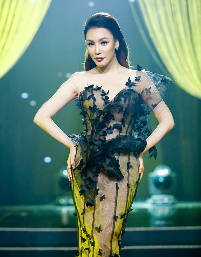 Sài Gòn đêm thứ 7: Hồ Quỳnh Hương lên tiếng về việc hot girl đi hát - Ảnh 1.