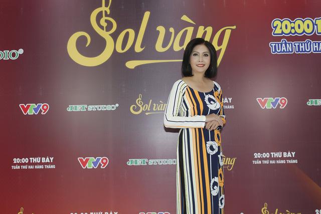 Ngọc Sơn tạo dáng xì-tin mở hàng Sol vàng 2018 - Ảnh 3.
