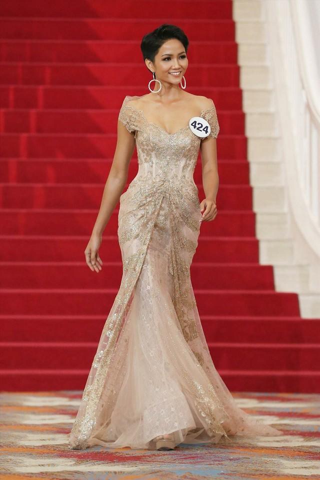 H'Hen Niê và cú lội ngược dòng lên ngôi Hoa hậu Hoàn vũ Việt Nam 2017 - Ảnh 6.
