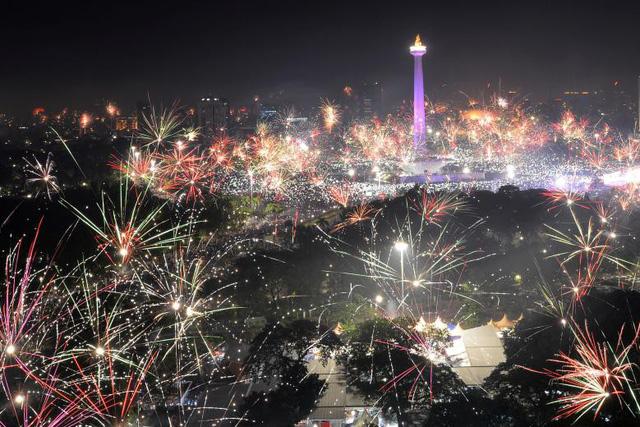 Những hình ảnh tuyệt đẹp tại các quốc gia chào đón năm mới 2018 - Ảnh 5.