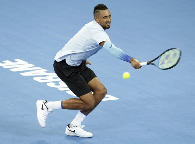 Giải quần vợt Brisbane International: Raonic thua sốc, Kyrgios thắng nghẹt thở - Ảnh 2.