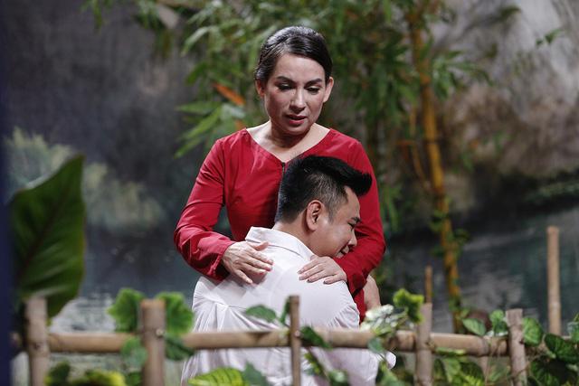 Ơn giời! Cậu đây rồi!: Phi Nhung lần đầu làm mẹ của Tự Long - Ảnh 2.