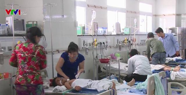 Sức khỏe 3 bé nghi bị cha ruột đầu độc ở Hậu Giang đã ổn định - ảnh 1
