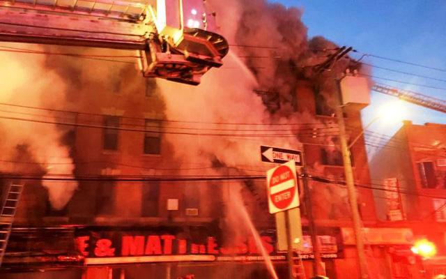 Thêm một vụ cháy chung cư tại quận Bronx, New York (Mỹ) - Ảnh 2.