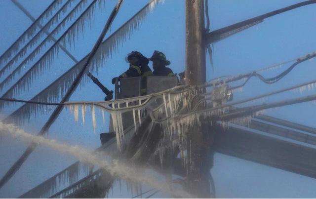 Thêm một vụ cháy chung cư tại quận Bronx, New York (Mỹ) - Ảnh 5.