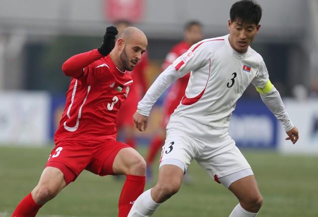 Kết quả thi đấu VCK U23 châu Á 2018 ngày 13/01: U23 Thái Lan chính thức bị loại, U23 Nhật Bản giành vé sớm - Ảnh 1.