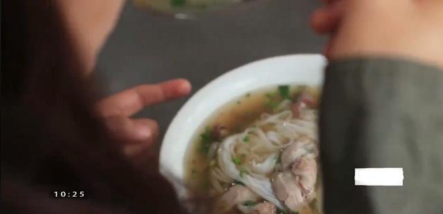 Chết mê hàng loạt món ăn đường phố Hải Phòng - Ảnh 2.