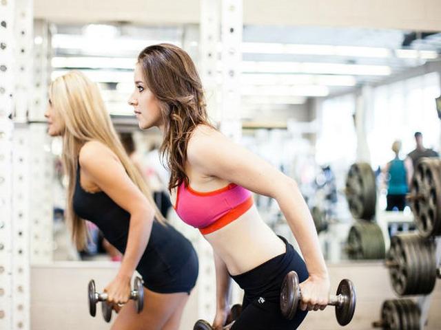 8 cách hiệu quả làm giảm mỡ béo trên cánh tay - Ảnh 1.