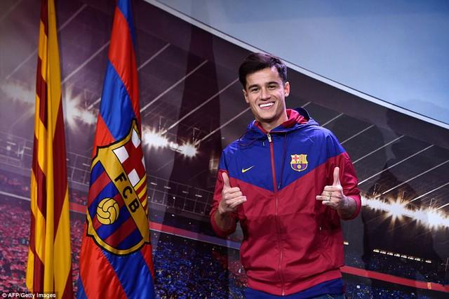 Chùm ảnh: Coutinho có mặt tại đại bản doanh Barcelona chờ thời điểm ra mắt - Ảnh 5.