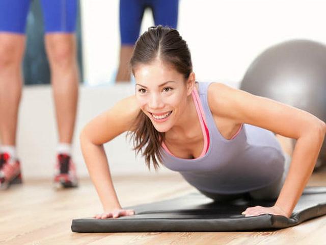 8 cách hiệu quả làm giảm mỡ béo trên cánh tay - Ảnh 4.