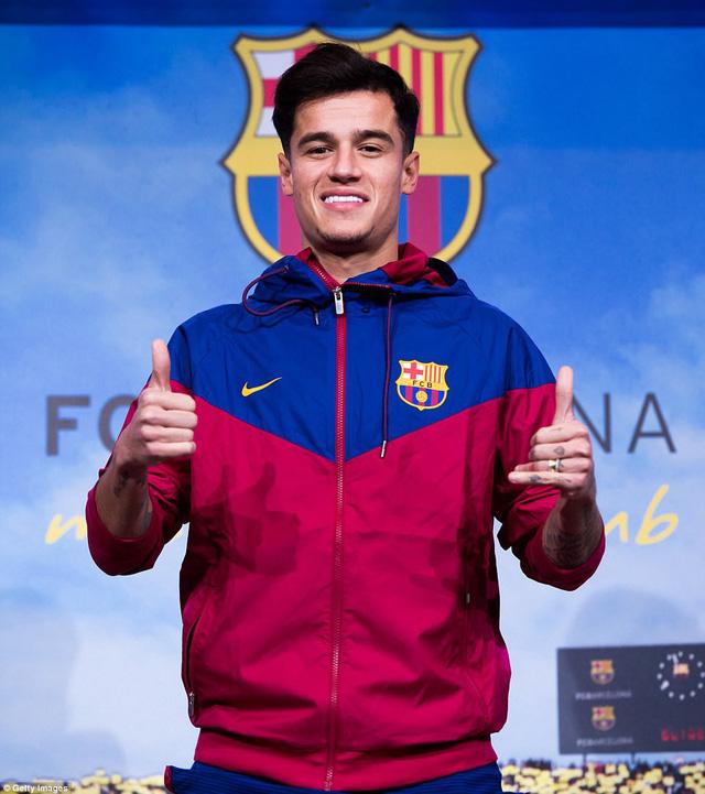 Chùm ảnh: Coutinho có mặt tại đại bản doanh Barcelona chờ thời điểm ra mắt - Ảnh 6.