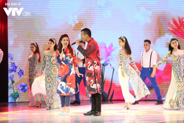 Mỹ Dung - Trương Thế Vinh hóa cặp đôi MC ăn ý trong Gala Cười 2018 - Ảnh 6.