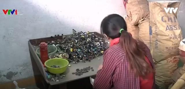 Trung Quốc đẩy mạnh cải tổ ngành tái chế rác thải - Ảnh 1.