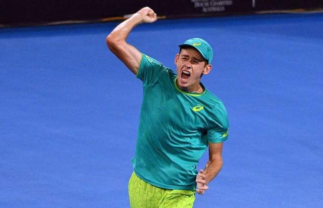 Giải quần vợt Brisbane International: Raonic thua sốc, Kyrgios thắng nghẹt thở - Ảnh 1.