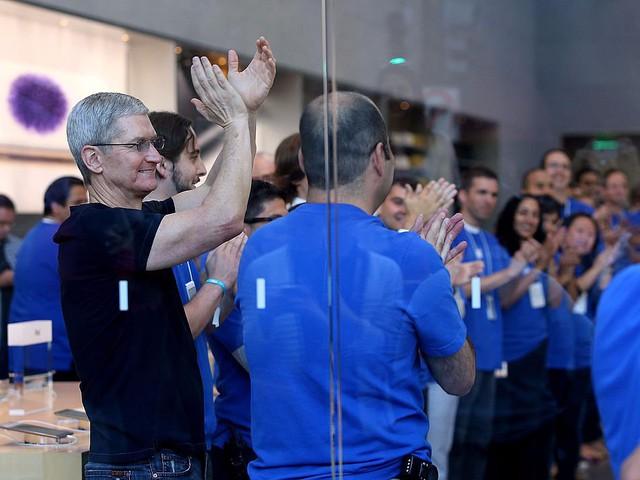 Đập tan mọi hù dọa, iPhone X là chiếc smartphone số 1 thế giới - Ảnh 2.
