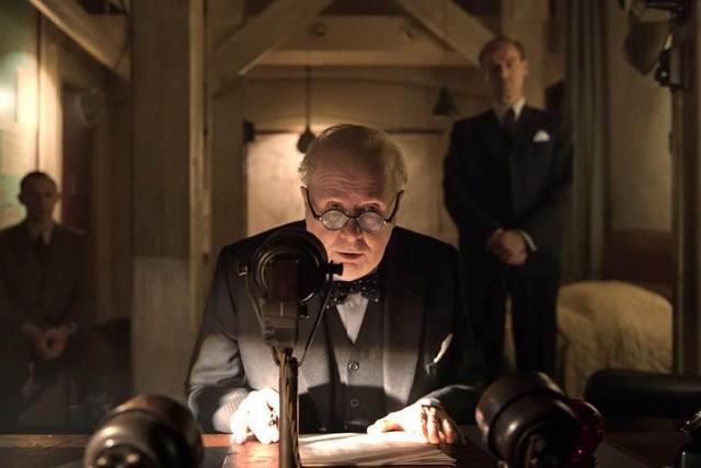 Darkest Hour - Phim đáng xem mùa giải thưởng - Ảnh 2.