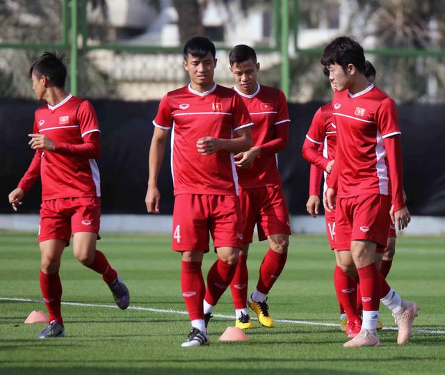 Asian Cup 2019: ĐT Việt Nam thoải mái tập luyện chuẩn bị gặp ĐT Iran - Ảnh 9.