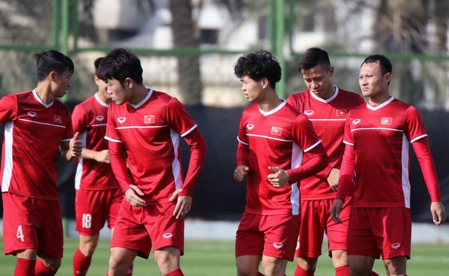 Asian Cup 2019: ĐT Việt Nam thoải mái tập luyện chuẩn bị gặp ĐT Iran - Ảnh 8.