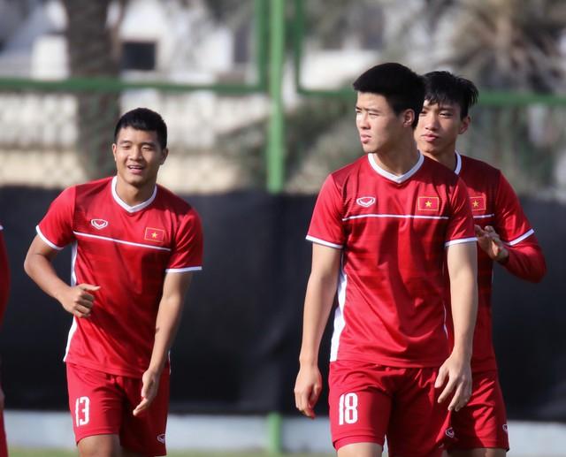 Asian Cup 2019: ĐT Việt Nam thoải mái tập luyện chuẩn bị gặp ĐT Iran - Ảnh 7.