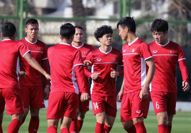Asian Cup 2019: ĐT Việt Nam thoải mái tập luyện chuẩn bị gặp ĐT Iran - Ảnh 6.