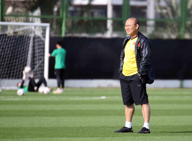 Asian Cup 2019: ĐT Việt Nam thoải mái tập luyện chuẩn bị gặp ĐT Iran - Ảnh 5.