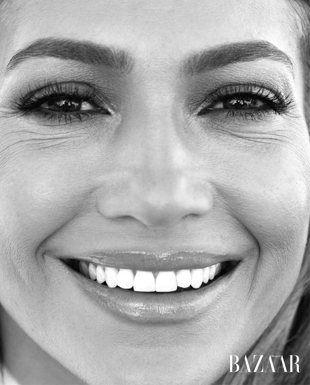 Khi Jennifer Lopez mặc đồ bơi và... bay - Ảnh 5.