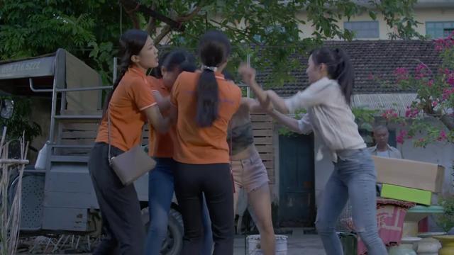 Những cô gái trong thành phố - Tập 8: Lâm đồ tể (Công Lý) chính thức xuất hiện - Ảnh 3.