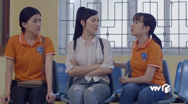 Những cô gái trong thành phố - Tập 8: Hoa - Lý lo sốt vó vì bị bắt quả tang tuồn hàng - Ảnh 1.