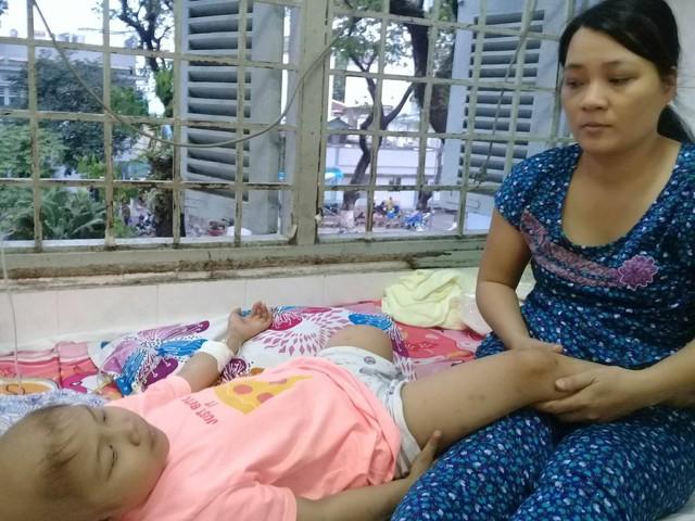 Ước mơ đến trường của cô bé mất 1 chân vì bệnh ung thư - Ảnh 9.