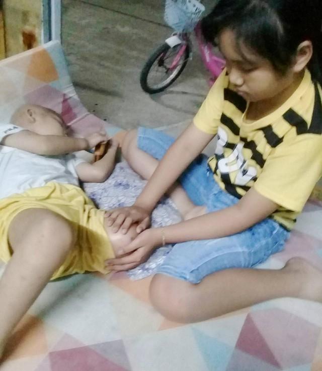 Ước mơ đến trường của cô bé mất 1 chân vì bệnh ung thư - Ảnh 10.