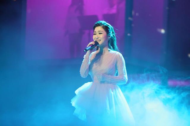 Hương Tràm thăng hoa trong đêm liveshow đầu tiên trong sự nghiệp - Ảnh 1.