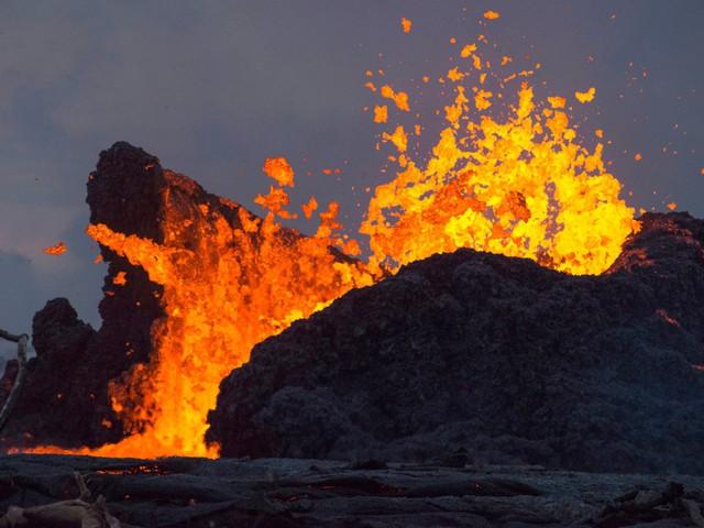 """Hawaii """"hút khách"""" nhờ thảm họa núi lửa - Ảnh 1."""